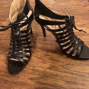 👠 🎃 Nine West Black leather shoes. Size 6.5